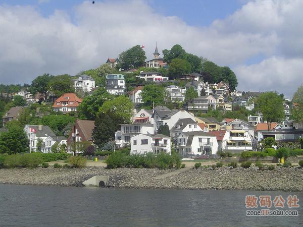河边的村落