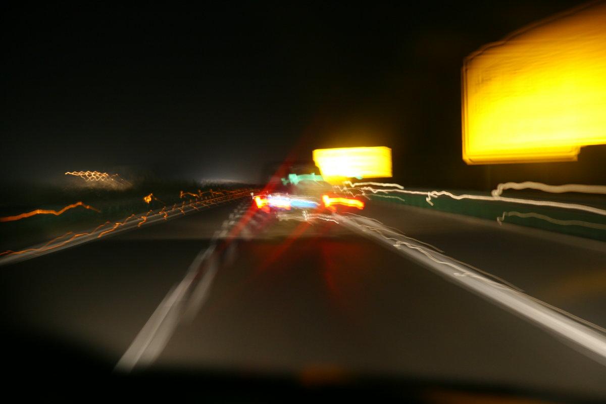 晚上拍车窗外风景
