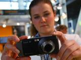 三星全球首款1000万像素拍照手机