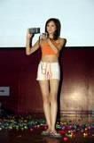 模特展示爱可视MP4新品